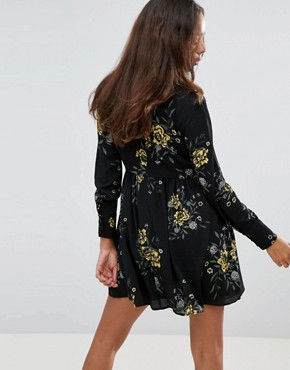 photo High Neck Neck Skater Dress in Bold Floral Bloom Print by Fashion Union Petite, color Floral - Image 2