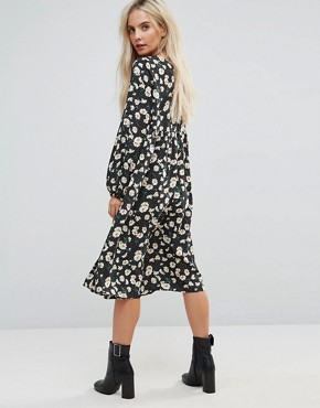 photo Smock Dress in Dot Floral by Glamorous Petite, color Black Dot Daisy - Image 2