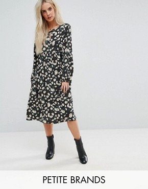 photo Smock Dress in Dot Floral by Glamorous Petite, color Black Dot Daisy - Image 1