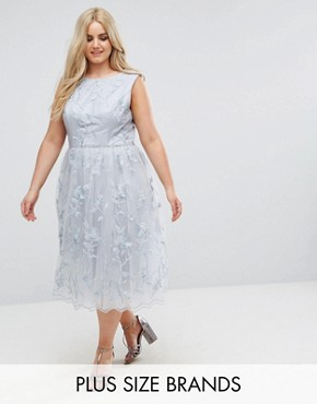 photo Lace Midi Dress with 3D Flowers by Chi Chi London Plus, color Grey - Image 1
