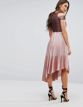photo Delores Velvet Pleated Dress by Coast, color Dusky Pink - Image 2