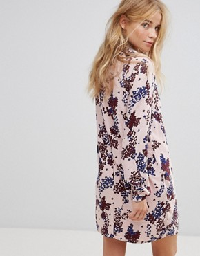 photo Floral Print Shift Dress by Vila, color Peach - Image 2