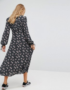 photo Printed Lattice Maxi Dress by New Look, color Black Pattern - Image 2