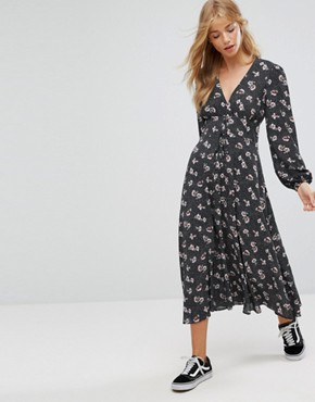 photo Printed Lattice Maxi Dress by New Look, color Black Pattern - Image 1