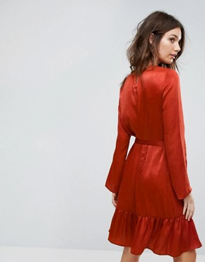 photo Tie Up Frill Hem Dress by Y.A.S, color Red - Image 2