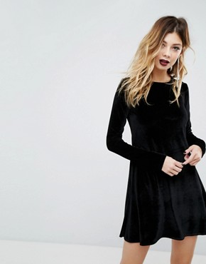 photo Swing Dress with Long Tie Neck in Velvet by Rokoko, color Black - Image 2