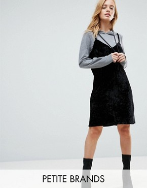 photo 2 in 1 Sweat Velvet Dress with Hood by Noisy May Petite, color Grey/Black - Image 1