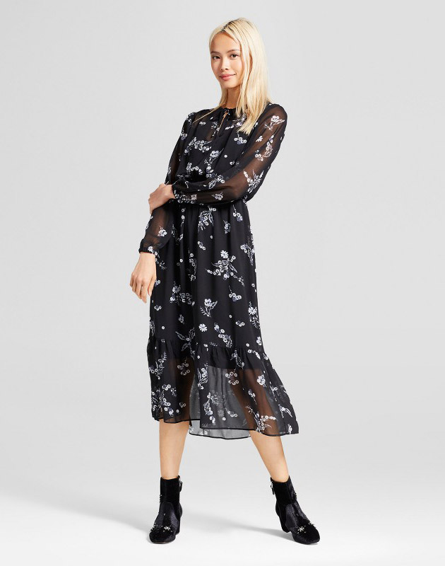 photo Flowy Maxi Dress by Who What Wear Daisy Floral, color Black - Image 1