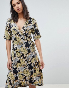 photo Floral Bloom Printed Wrap Dress by Sofie Schnoor, color Flower - Image 1