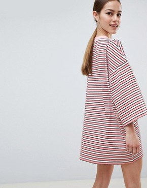 photo 'You Know It Girl' T-Shirt Dress by Missguided Petite, color Pink - Image 2