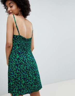photo Leopard Cami Dress in Green by Bershka, color Green - Image 2