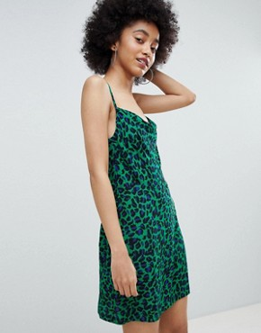 photo Leopard Cami Dress in Green by Bershka, color Green - Image 1