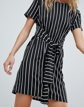photo Stripe Tie Waist T-Shirt Dress by PrettyLittleThing, color Black - Image 3