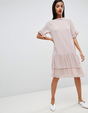 photo Femme High Neck Stripe Dress by Selected, color Pink - Image 1