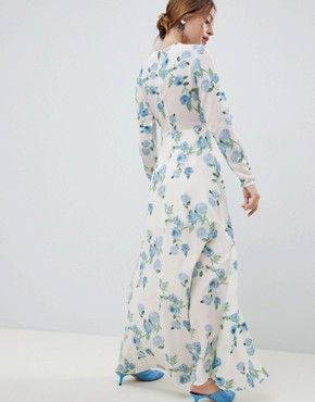 photo Maxi Dress in Floral Print by Miss Selfridge Petite, color White - Image 2