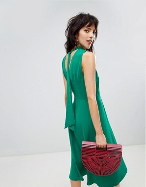 photo Midi Dress with Tie Back Detail in Green by Warehouse, color Green - Image 2