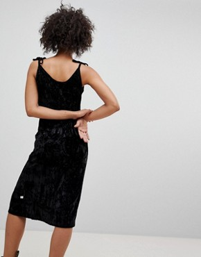 photo Crushed Velvet Midi Dress by NYTT, color Black - Image 2