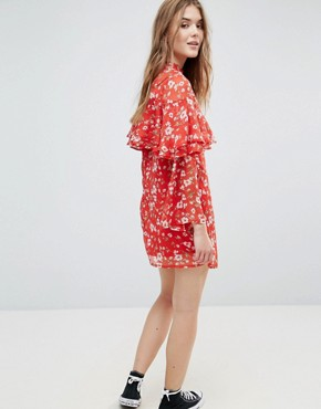 photo Floral Dress with Ruffle Layers and Flare Sleeve by Influence, color Red Floral - Image 2