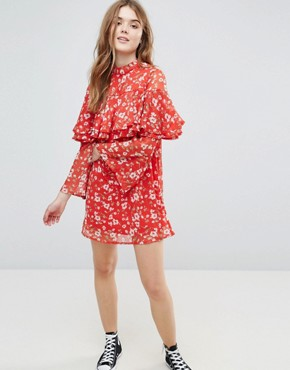 photo Floral Dress with Ruffle Layers and Flare Sleeve by Influence, color Red Floral - Image 1