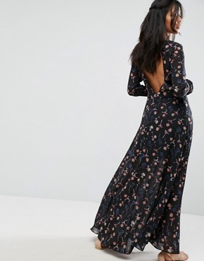 photo Backless Maxi Dress in Floral Print by Liquorish, color Print - Image 1