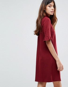 photo Ribbed Shift Dress with Frill Sleeve by Vero Moda, color Deep Berry - Image 2