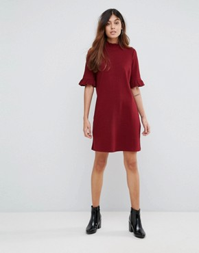 photo Ribbed Shift Dress with Frill Sleeve by Vero Moda, color Deep Berry - Image 4