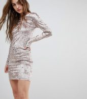 photo Val Crushed Velvet Bodycon Dress by Blend She, color Pink - Image 1