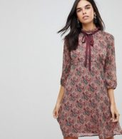 photo Printed Tea Dress with Bow Detail by Traffic People, color Red - Image 1