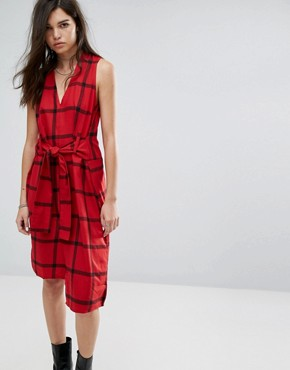 photo Rizzle Tie Waist Check Dress by Cheap Monday, color Deep Red - Image 1
