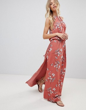 photo Oasis Floral Maxi Dress by the Jetset Diaries, color Floral Print - Image 1