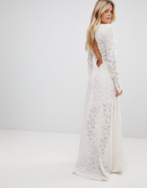 photo Voyage Lace Maxi Dress by the Jetset Diaries, color Blush - Image 2