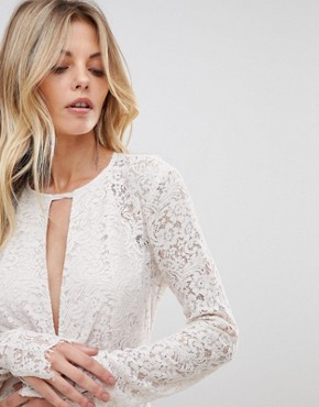 photo Voyage Lace Maxi Dress by the Jetset Diaries, color Blush - Image 3