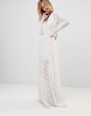 photo Voyage Lace Maxi Dress by the Jetset Diaries, color Blush - Image 4