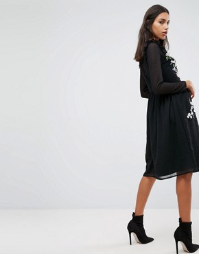 photo Pretty Embroidered Midi Dress on Dobby by ASOS PREMIUM, color Black - Image 2