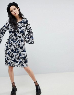 photo Floral Flock Swing Dress by Soaked in Luxury, color Blue - Image 4