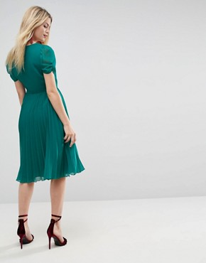 photo Pleated Midi Dress by ASOS, color Green - Image 2