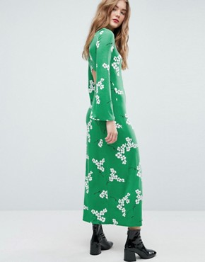 photo Maxi Tea Dress with Open Back in Green Floral by ASOS, color Green Floral - Image 1