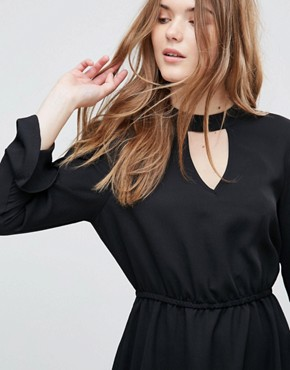 photo Johnanna Fluted Sleeve Dress by Only, color Black - Image 3