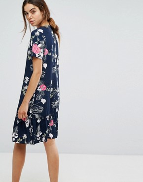 photo Enna Ditsy Floral Print Drop Waist Dress by Pieces, color Navy - Image 2