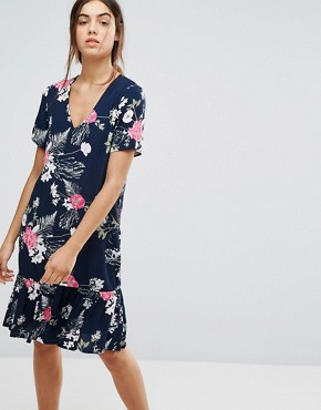 photo Enna Ditsy Floral Print Drop Waist Dress by Pieces, color Navy - Image 1