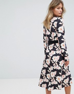 photo Floral Wrap Midi Dress by Liquorish, color Multi - Image 2
