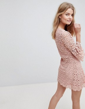 photo Winnie Crochet Dress by Urban Bliss, color Pink - Image 2