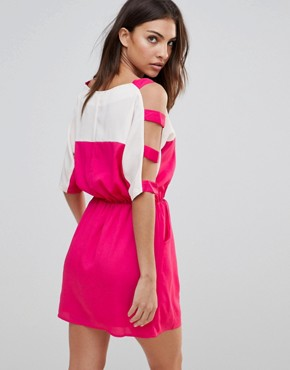 photo Colour Block Dress with Cut-Out Sleeves by Urban Bliss, color Pink - Image 2