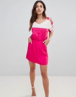 photo Colour Block Dress with Cut-Out Sleeves by Urban Bliss, color Pink - Image 1