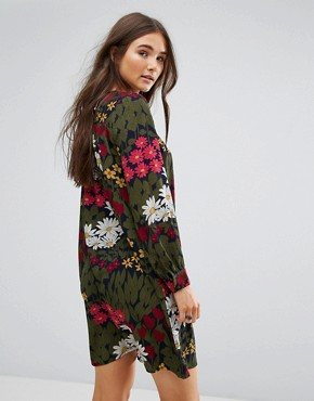 photo Floral Swing Dress by Traffic People, color Navy - Image 2
