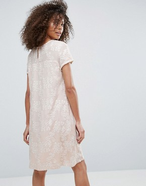 photo Printed Lace Shift Dress by Traffic People, color Cream - Image 2
