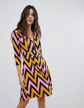 photo Chevron Zip Dress by Traffic People, color Navy/Mustard - Image 1