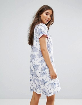 photo Floral Shift Dress by Traffic People, color White - Image 2