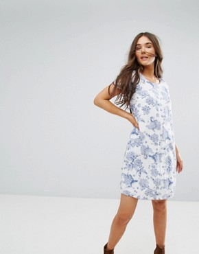 photo Floral Shift Dress by Traffic People, color White - Image 1