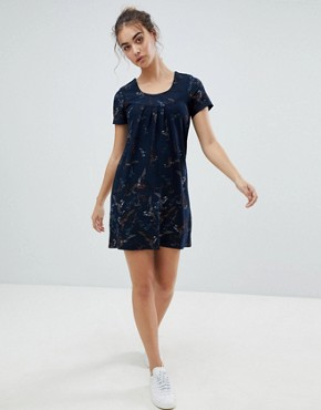 photo Butterfly Printed Tunic Dress by QED London, color Navy - Image 4
